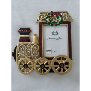 Ashleigh Manor Picture Frame 2 x 2.5 Christmas